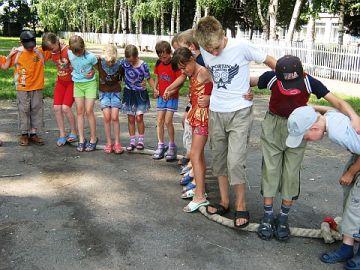 Конкурс в лагере на сплочение отряда