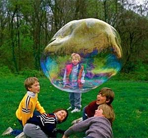 Как сделать большие и прочные мыльные пузыри 19